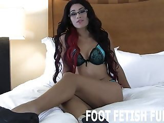 Look at my feet while you jerk your cock