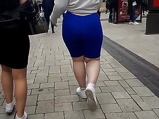 REAL TEEN PAWG BRIT BIG CANDID BOOTY