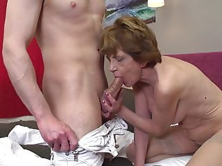 Old granny suck and fuck lucky guy