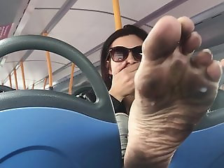 Foot model gets cum on her soles on a London bus