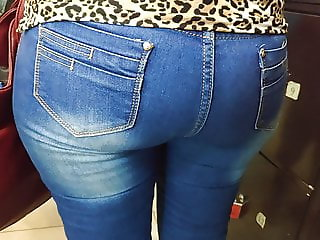 Delicious ass mature milfs in tight jeans