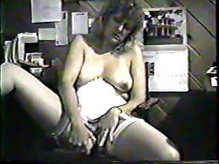 CDA-ID Amateur Michelle Pumps Her Pussy at the Office
