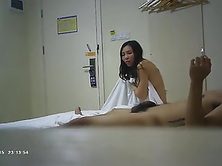 Busty Chinese Nail Salon Owner Sex Tape 04