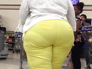 Yellow Megabooty Ebony Huge Ass and Hips
