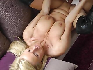 horny mature milf seduces and fucks her new photoghapher