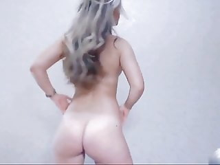 Beautiful Girl Dancing Ass
