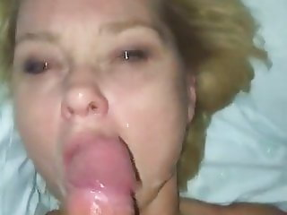Fucking My Best Friends Mom in his Bed