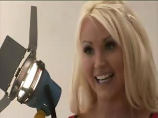 Hot blondes with her babe friends gives a handjob to her boss