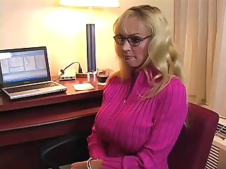 Huge tits milf virtual fuck JOI