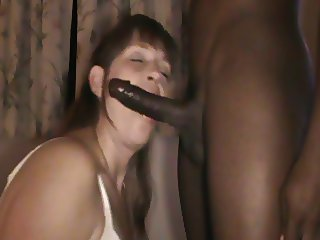 Mature whore getting used!