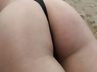 Beach babe girlfriend gets ass ruined