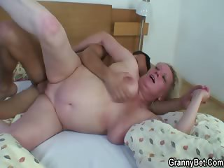 Old bitch is picked up and fucked