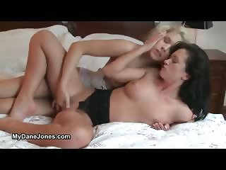 Hot brunette babe gets her wet pussy part1