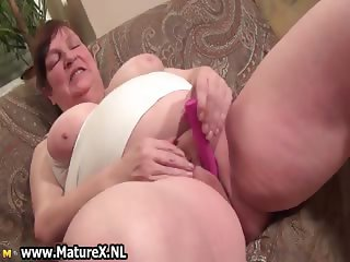 Old busty mom gets big pink dildo which part5