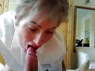 Mature teacher giving blowjob and squirting