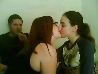 Kissing girls 15