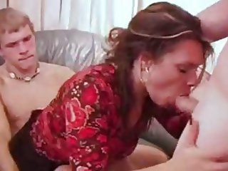Sluty MILF has a threesome