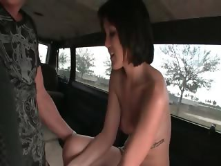 Brunette amateur gets mouth nailed in the bus