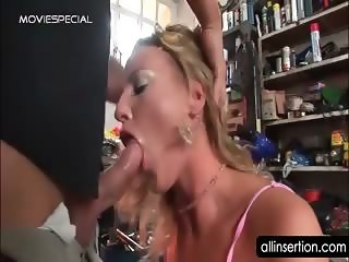 Teen blonde minx gets ass hole deep fingered