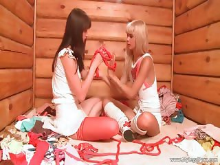 Two hot nasty horny blonde teen babes part5