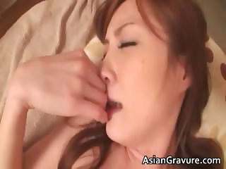 Horny asian hoe sucks hard cock in the part2
