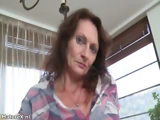 Nasty mature slut gets horny taking part4