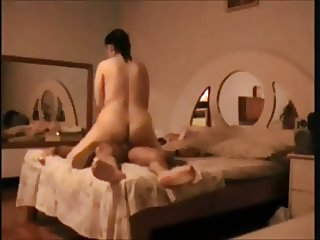 Booty wife fucked on hidden cam
