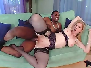 Nina Hartley Meets Her New Neighbor