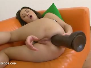 Chick likes giant dildo in ass