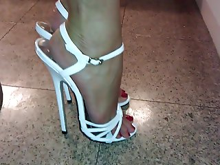 Mega highheels on sexy feet