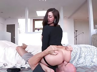 Sexy Ass Milf Gets Good Dick!