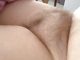 wifes round soft long hairy pussy
