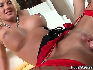 Horny blonde with huge tits gets fucked part2