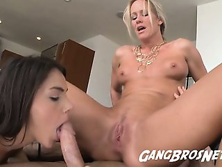 Threeway Anal with Valentina and Simone