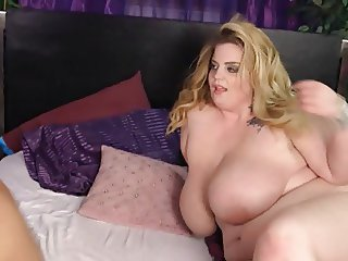 Sexy MILF BBW Large Boobs
