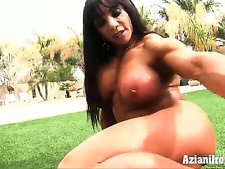 Aziani Iron Muscle MILF Marina Lopez gets naked and spreads her strong legs
