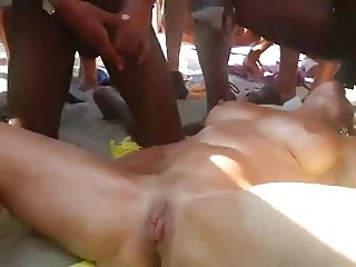 Making Her Squirt At The Beach