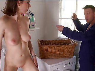 sexy housewife sucks the handyman