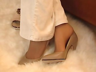 Smell nylon feet 1