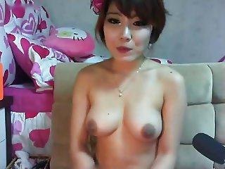 Korean webcam babe in fishnets