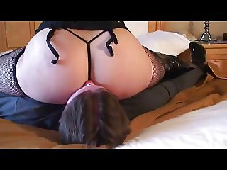 PAWG Facesits & Smothers Her Slave