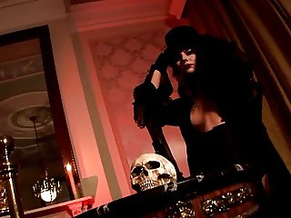 HAMMER HORROR - erotic music video