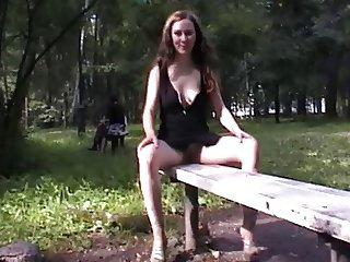 Sexy flashing girl public park vid 1