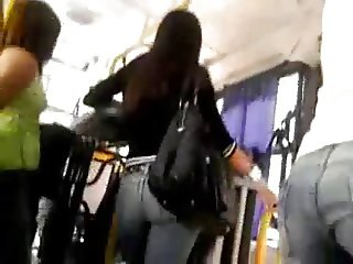 Encoxada 109: Holy Fuck! look at dat doll on the bus
