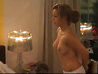 Amanda Topless Massage on Bed in DGK ( DeGoudenKooiNL )