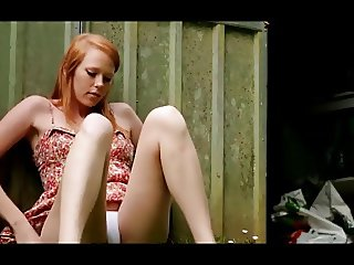 Redheaded Teen in Seductive Solo Bate