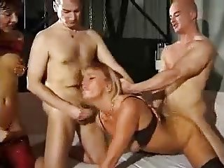 Bisex - Bareback & Fisting Party CIM Facials