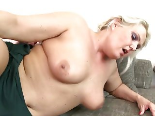 Big mature mother fucked by young boy on couch