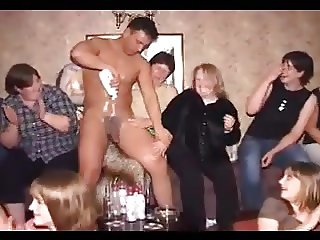 mature che si divertono con stripper