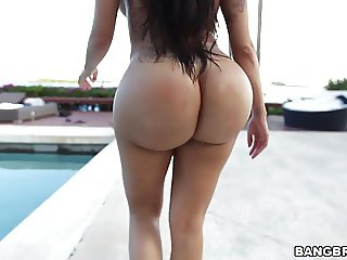 Huge ass Lela Star bouncing on a hard cock